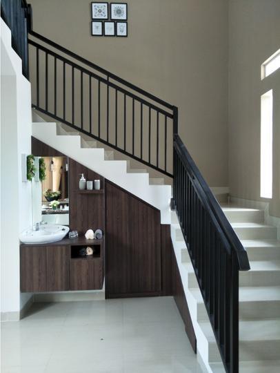 Tipe 90 - interior tangga